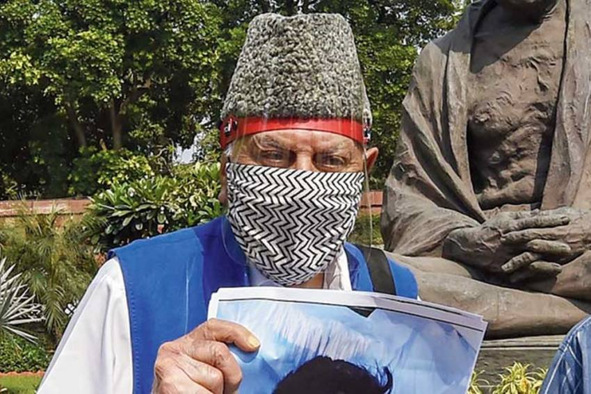 Farooq Abdullah Protests Against Custodial Killings And Fake Encounters In Kashmir
