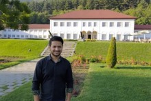 Kashmiri Officer Helps Civil Service Aspirants With Free Video Lectures in the Valley