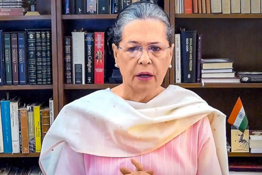 Sonia Asks Congress-Ruled States To Pass Laws Negating Controversial Agriculture Acts