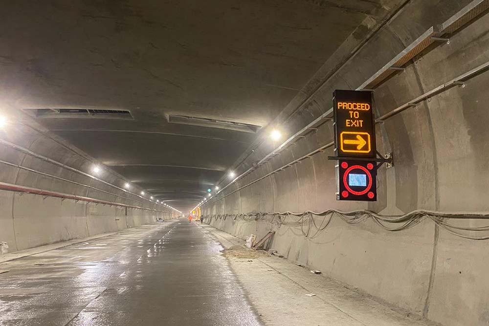 Tunnel La