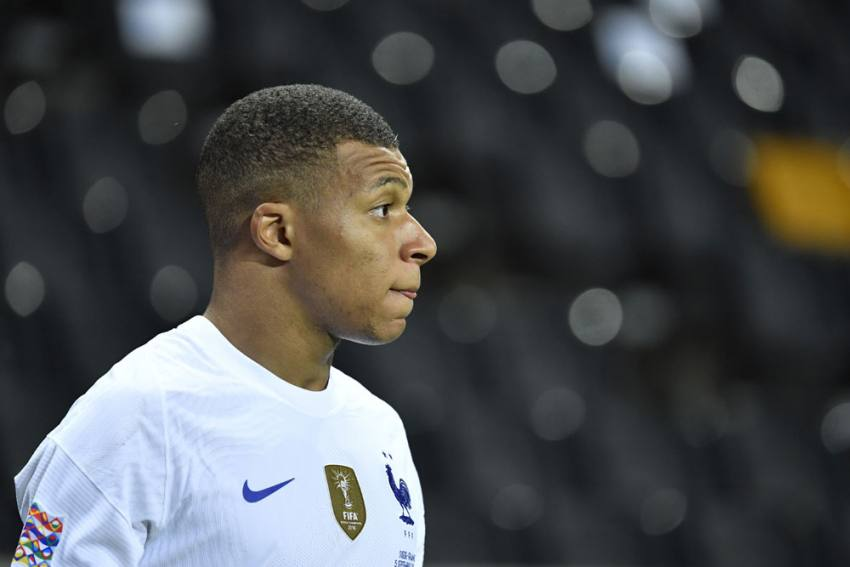 France Boss Didier Deschamps Unwilling To Take Risks With Kylian Mbappe