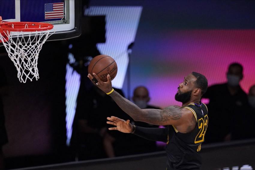 NBA Playoffs Results: LeBron James, Anthony Davis Star As LA Lakers Level Series, Milwaukee Bucks Alive
