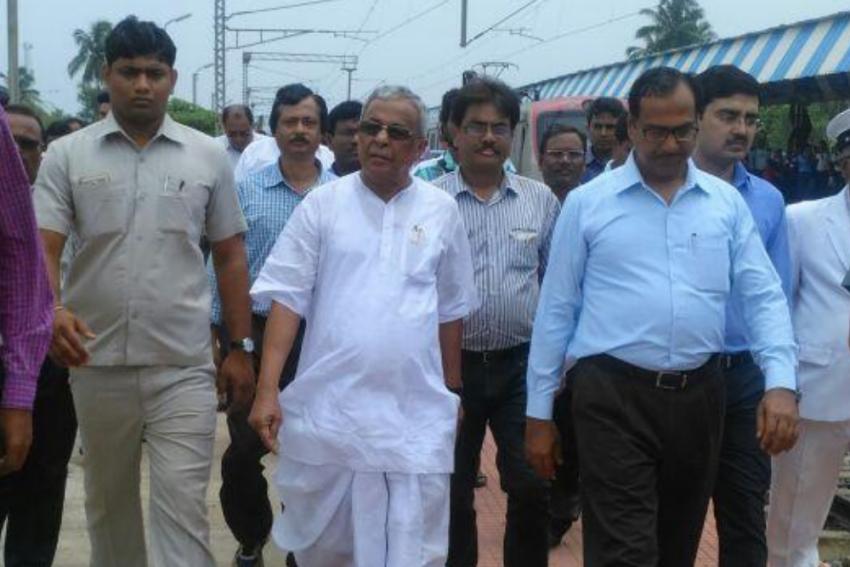 TMC Sacks Suvendu Adhikari's Father From District Development Body, BJP Invites Him To Join Party