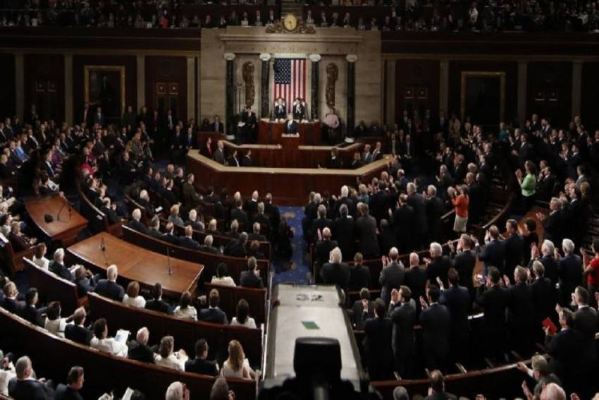 US House Urges VP Mike Pence To Help Oust Trump; Barrels Towards Historic Impeachment