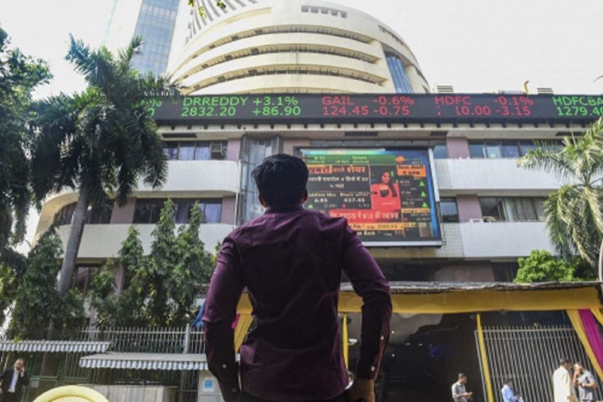 Sensex Ends Lower After Choppy Trade; M&M Soars 6%