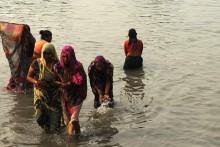 Makar Sakranti: Pilgrims Take Holy Dip At Gangasagar Amid Covid-19 Scare