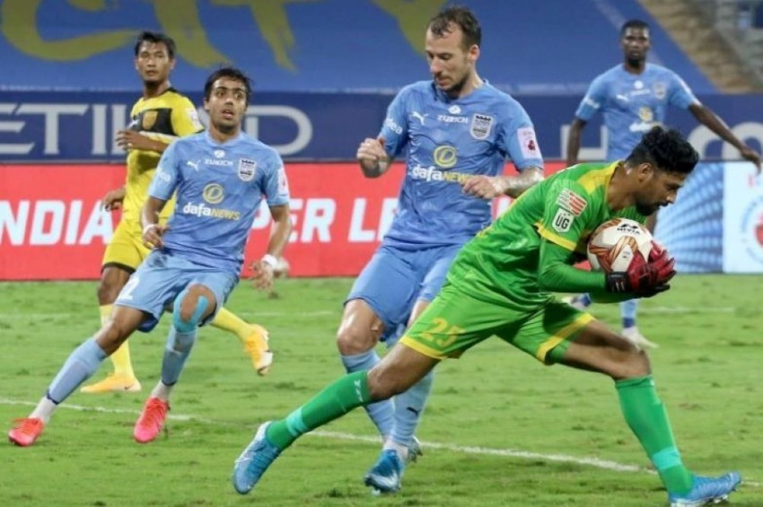 ISL 2020-21, Match 60: Resilient Hyderabad Play Out Goalless Draw With Toppers Mumbai