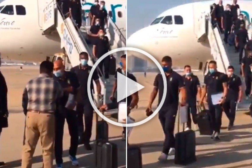 PAK Vs SA: South African Cricket Team Arrives In Pakistan For 1st Series In 14 Years - WATCH