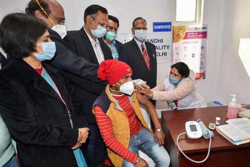Delhi: AIIMS Security Guard Develops 'Severe' Allergic Reaction After Taking Covid Vaccine