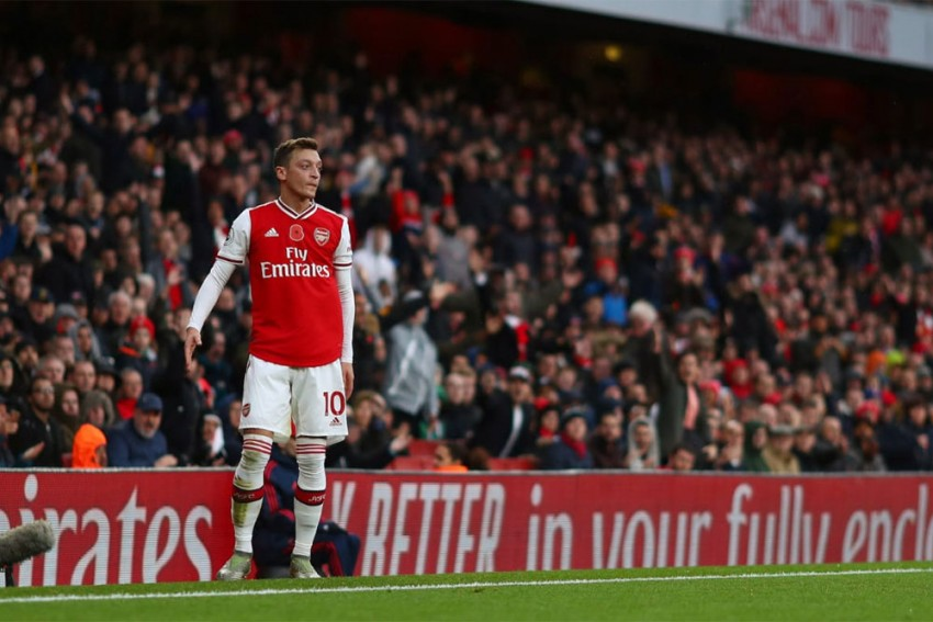 Mesut Ozil Hints At Imminent Fenerbahce Move After Arsenal Exit Claim
