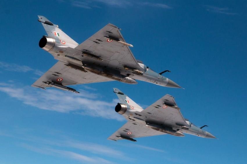 Indian Air Force Ferries 81 Stranded Passengers Between J-K, Ladakh