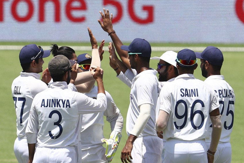 AUS Vs IND, 4th Test, Day 4 Report: Mohammed Siraj, Shardul Thakur Keep India In Hunt, Need Another 324 Runs