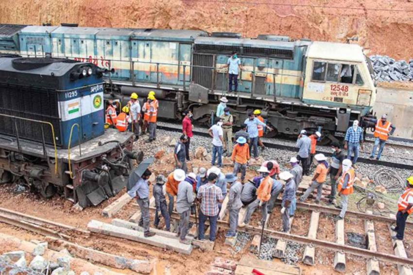 Two Bogies Of Shaheed Express Derail Near Lucknow