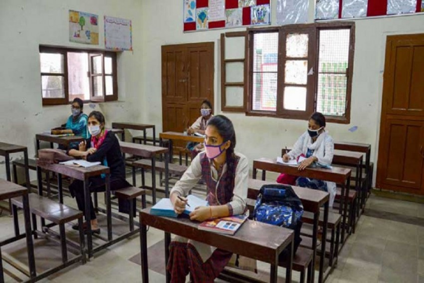 Masks On, Sanitisers Out! Delhi Schools Reopen For Students Of Classes 10 and 12