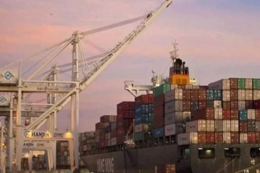 India's Trade Deficit Widens To $15.71 Bn, Exports Slip Marginally