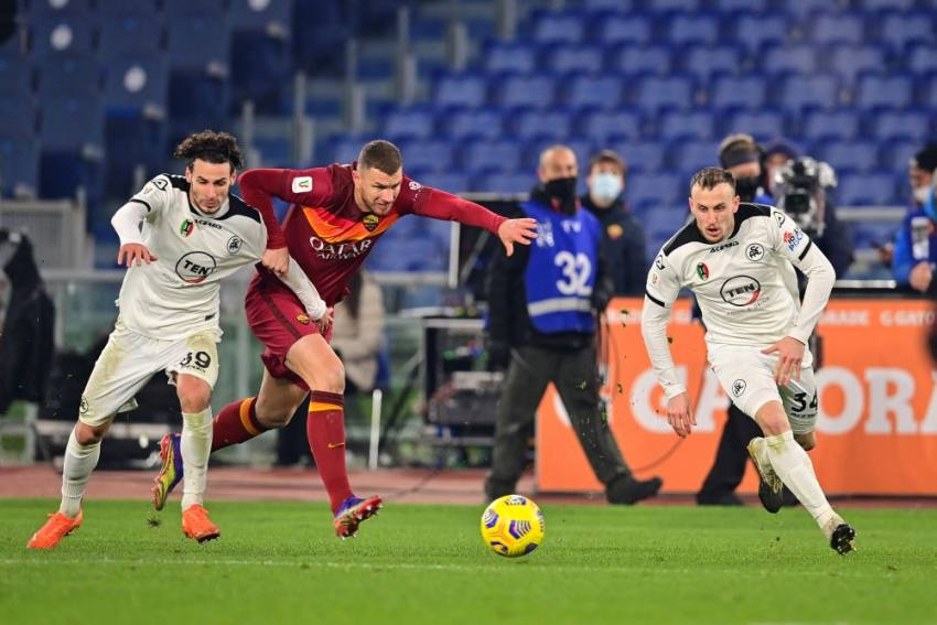 Roma To 'Discuss' Error After Too Many Substitutions In Coppa Italia Shock