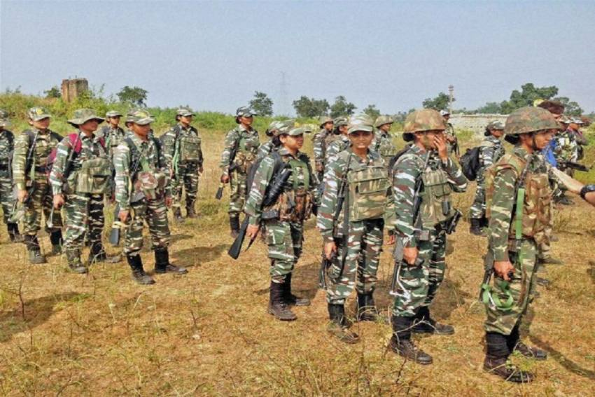 CRPF Mulling Drafting Women Personnel In CoBRA Commando Battalions