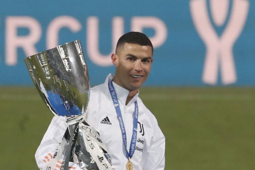 Juventus 2 0 Napoli Cristiano Ronaldo Inspires Suppercoppa Italiana Glory For Bianconeri