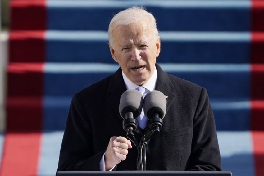 Trump Writes A 'Very Generous' Letter For Biden Before Leaving White House