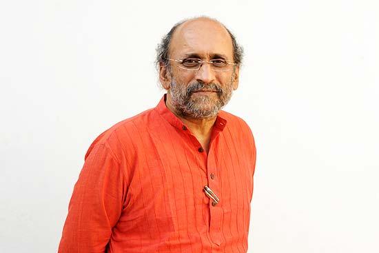 Editors Guild Decries Arrest Warrant Against Journalist Paranjoy Guha Thakurta Over Adani Complaint