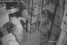 Watch: Man Wearing PPE Kit Steals Jewellery Worth Rs 13 Crore From A Showroom In Delhi