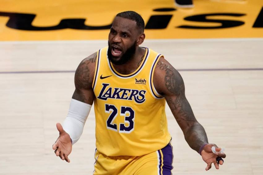 LeBron's Lakers Extend Franchise Record After Taking Down Giannis And Bucks In NBA