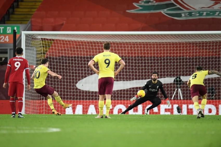 Liverpool 0-1 Burnley: Ashley Barnes Penalty Ends Reds' Unbeaten Run At Anfield