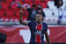 Kylian Mbappe Considering New Long-Term Contract At Paris Saint-Germain