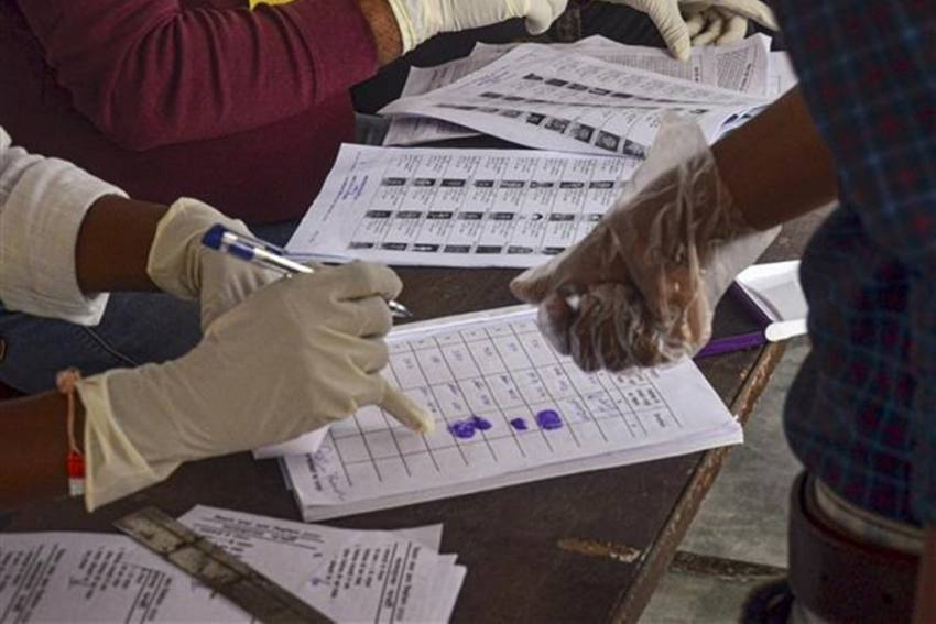 Voters In India Will Soon Be Able To Download E-Version Of Voter ID Cards. Read Details Here