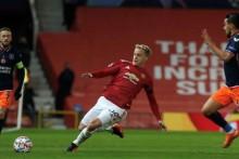 Man Utd Midfielder Bruno Fernandes Sympathises With Donny Van de Beek