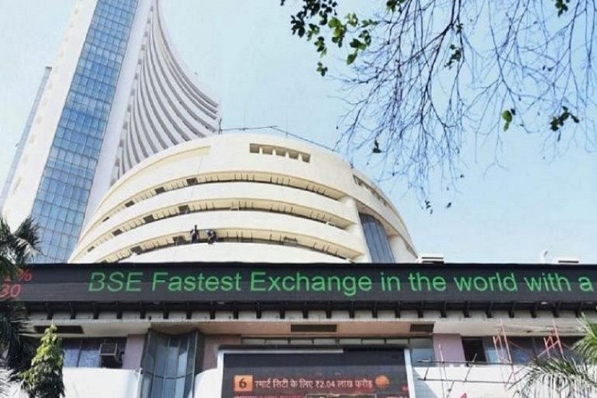 Sensex Zooms Over 340 Pts In Early Trade; Financial Stocks Lead Rally