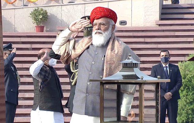 Watch: PM Modi Dons Special Jamnagar Turban During Republic Day Celebrations