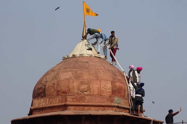 Cannot Condone Lawlessness: Tharoor On Protesting Farmers Hoisting The Sikh Flag At Red Fort