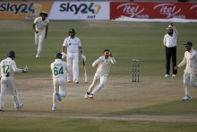 PAK Vs SA, 1st Test: South Africa Comeback Reduces Pakistan To 33/4 In Reply To 220 - Day 1 Report