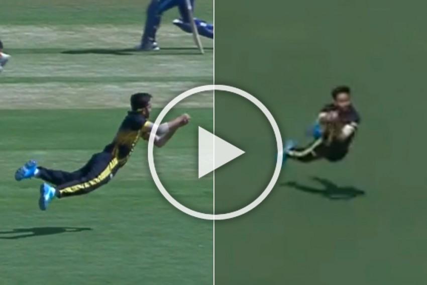 Mushtaq Ali T20: Punjab's Mayank Markande Takes A Stunner To Gift Siddharth Kaul Double-wicket Maiden Against Karnataka - WATCH