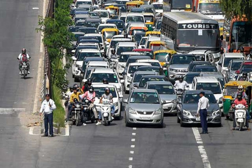 Government To Soon Impose Green Tax On Old Polluting Vehicles