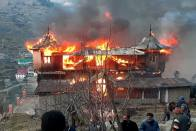 Massive Fire Consumes Four-Storey Residential Complex in Himachal's Praunthi