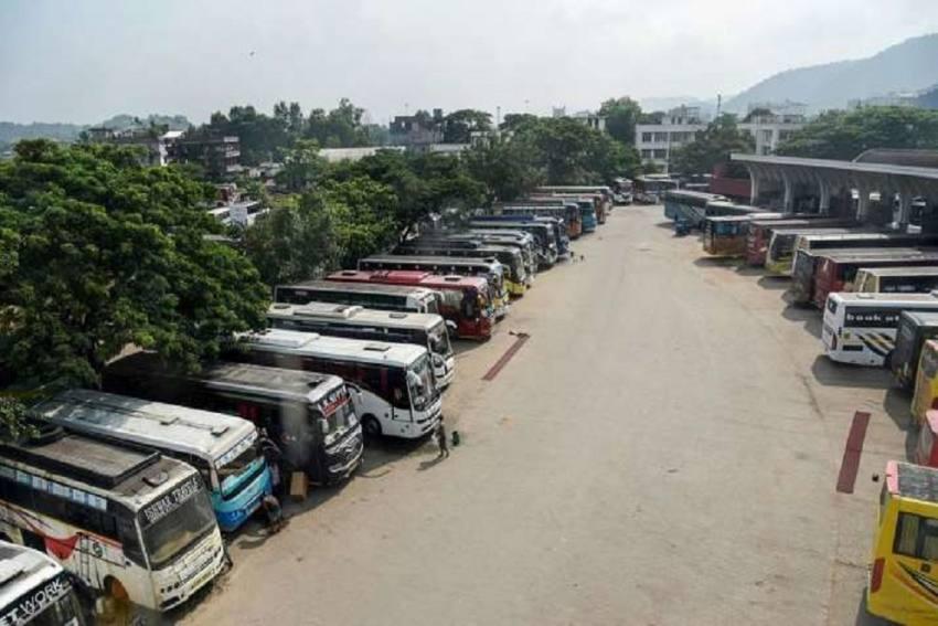 Assam Transport Unions Begin Day-Long Chakka Bandh; Demand Welfare Scheme, Withdrawal Of Farm Laws