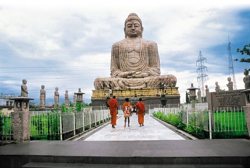Clay Modeller In Bengal Making 100 Feet Tall Statue Of Lord Buddha