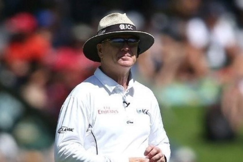 Umpire Bruce Oxenford Announces Retirement From International Cricket