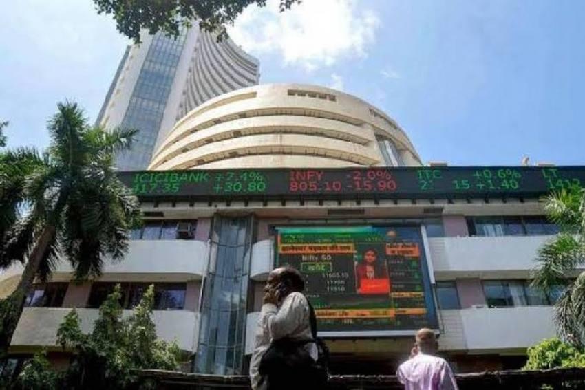 Sensex Rallies 308 Points To End At Fresh Record; IT Stocks Shine