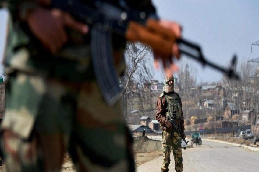 Pakistan-Based Terror Groups Using Digital Space For Recruitment In J-K: Reports