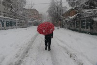 Heavy Snowfall Cuts Off Kashmir Valley From Rest Of Country