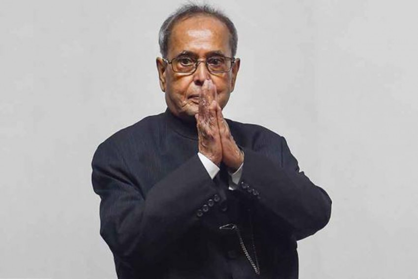 UPA-2 Was A 'Govt Of Averages', Lacked Tall Leaders: Pranab Mukherjee In Memoirs