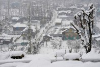 Air, Roadways Remain Blocked On Second Day As Kashmir Sees Heavy Snowfall