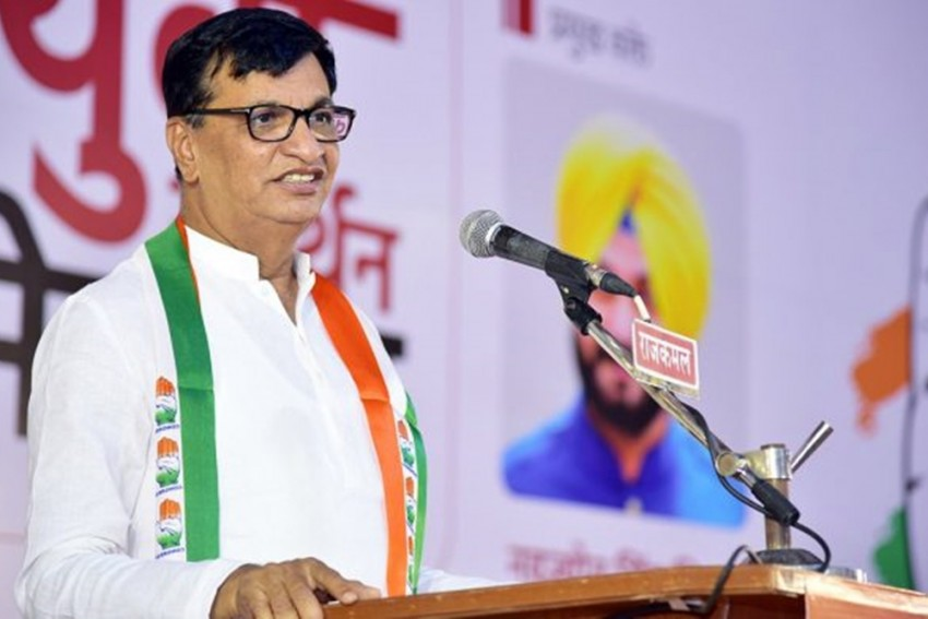 Maharashtra: Change In Congress Leadership On Table? AICC In-Charge Consults Leaders