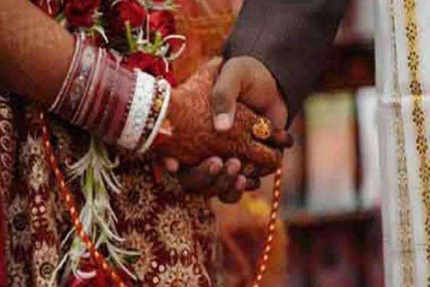 Wedding Twist: Bride Marries Guest After Groom Runs Away In Karnataka