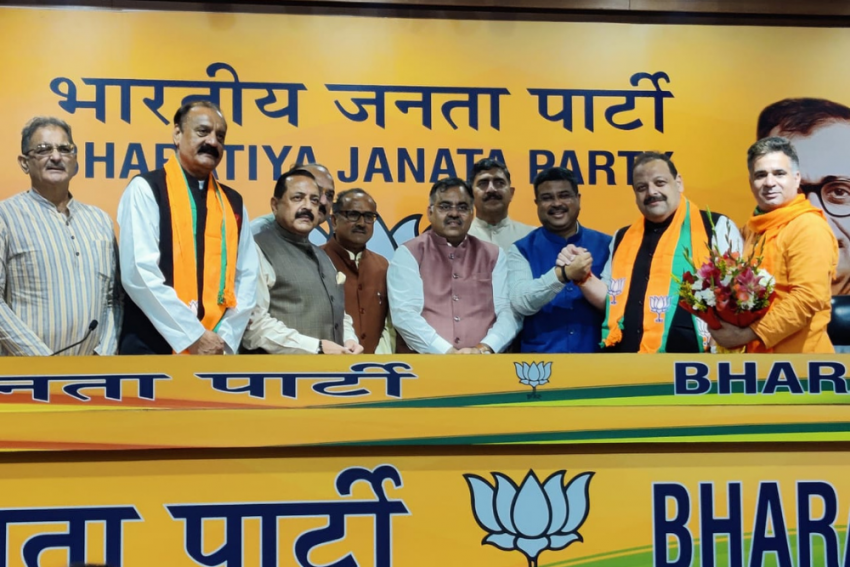 Omar Abdullah Aide And Jammu Leader Davinder Singh Rana Leaves National Conference To Join BJP