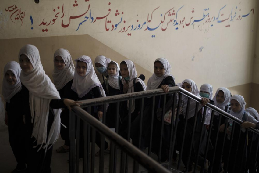 UN Reminds Taliban To Not Break Its 'Promise' Of Allowing Women To Work And Study