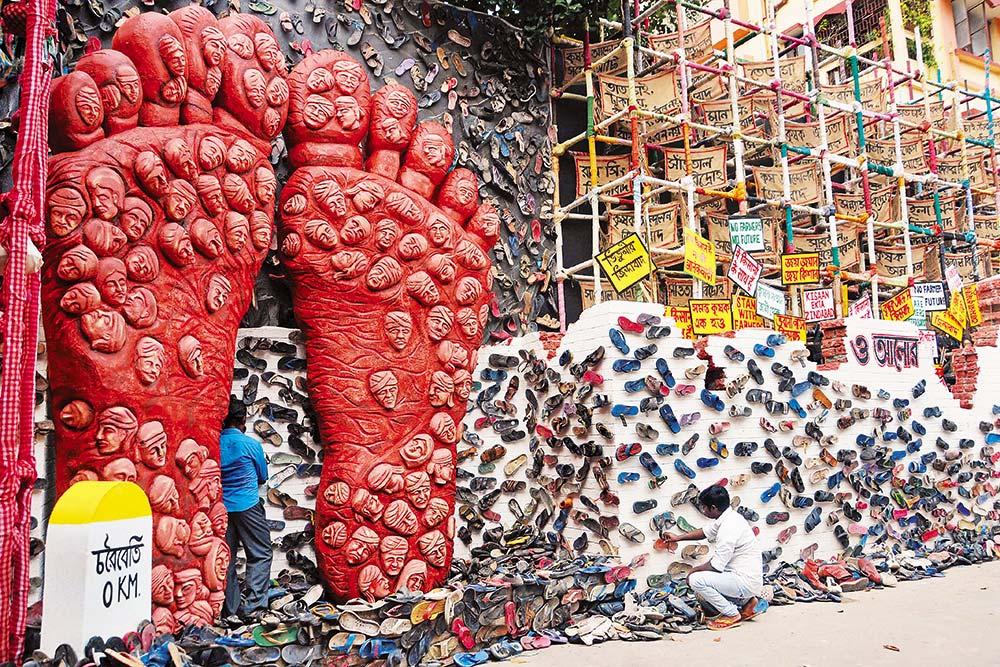 Feat Of Clay: Bengal's Idol-makers Are Pushing Boundaries Of Creativity This Durga Puja Season